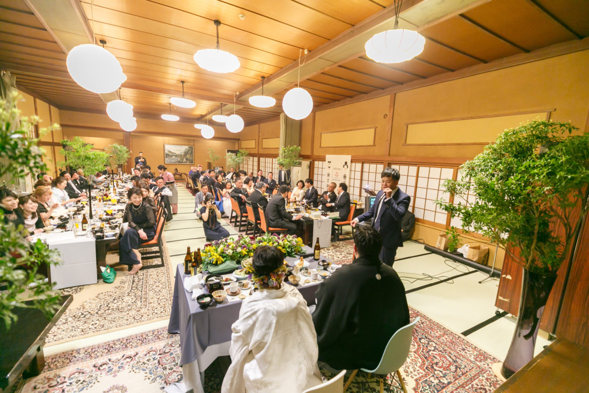 大広間で宴会!温泉旅館wedding